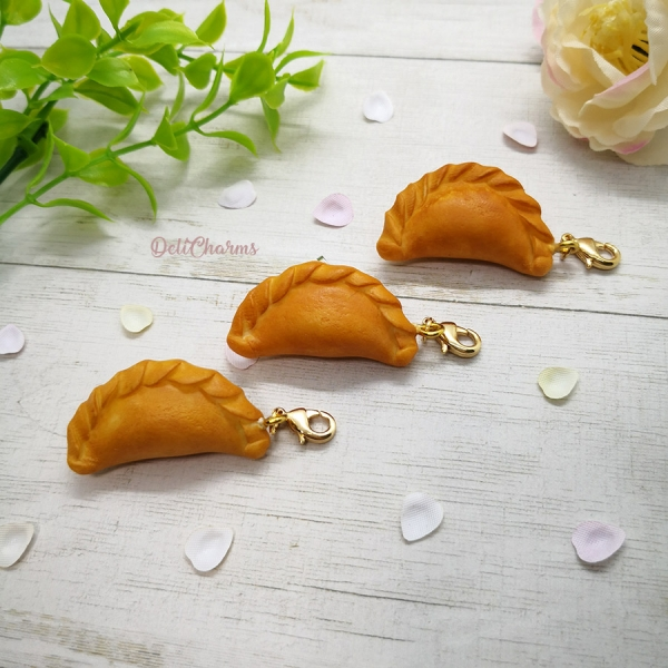 curry puff charm old chang kee